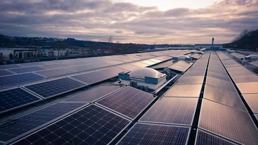 Installation und Montage eines Solarparks